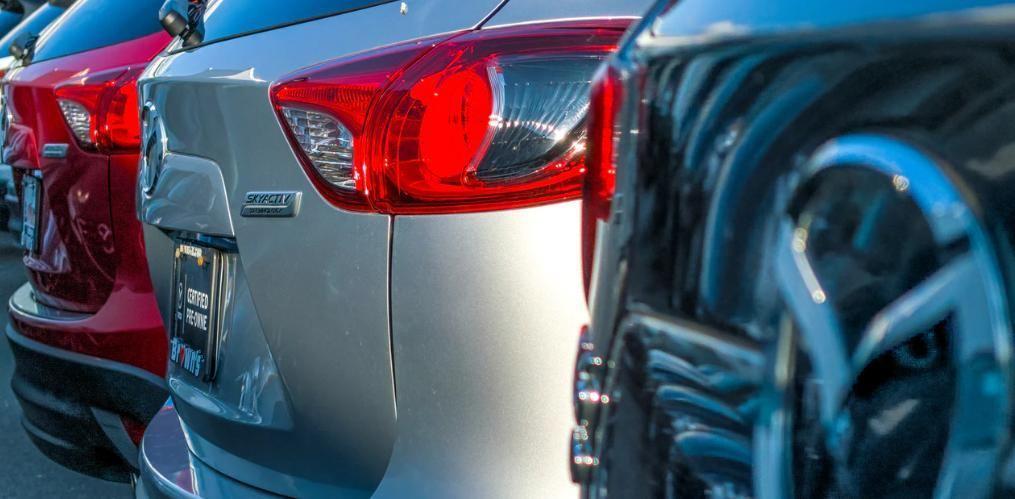 KFZ Fahrzeuge bei Autohändler - Rücklichter